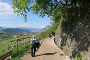 Dolomiten-Bustour mit Frühlingswanderung
