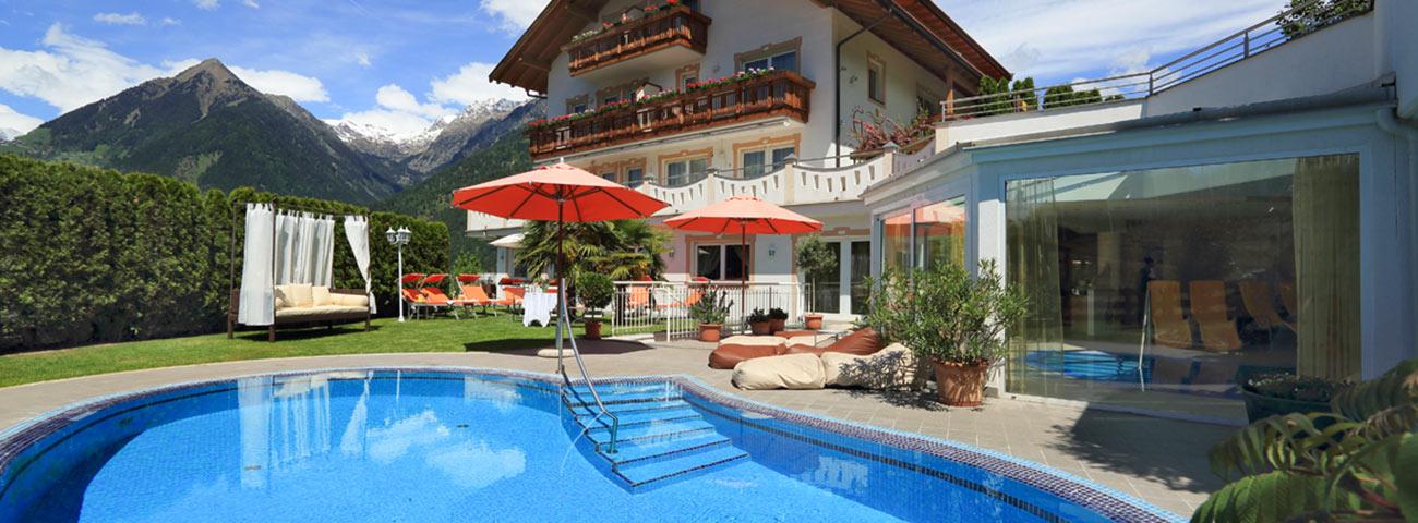 Hotel scena merano con piscina all aperto e giardino - Hotel con piscine termali all aperto ...